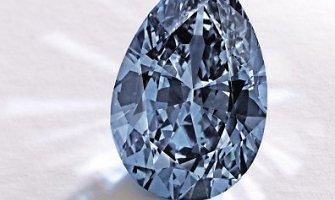 Mėlynas kriaušės formos deimantas aukcione parduotas už rekordinę sumą