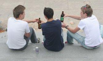 Rugsėjo 1-ąją – nuo alkoholio ir narkotikų apsvaigę moksleiviai