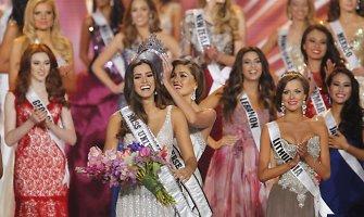"""Naujoji """"Mis Visata"""" – kolumbietė Paulina Vega, Patricija Belousova į pusfinalį nepateko"""