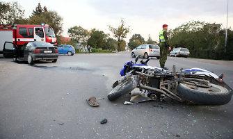 """Kaune """"BMW"""" nepraleido motorolerio """"Zipp"""", nukentėjo keturi žmonės"""