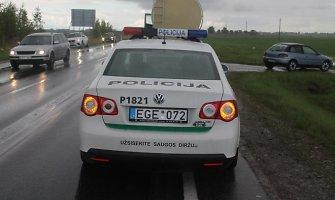 """Rytinis policijos reidas """"Via Baltica"""" kelyje pamokė nedrausmingus vairuotojus"""