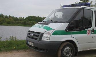 Karšto savaitgalio darbymetis gelbėtojams jau prasidėjo – Dvarčių ežere nuskendo 19-metis