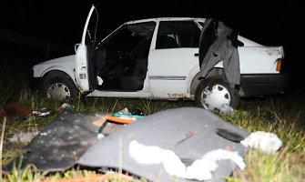 """Girtuoklė iš Tryškių apgavo policininkus, kad jos sugyventinis """"Fordu"""" rėžėsi į tvartą"""