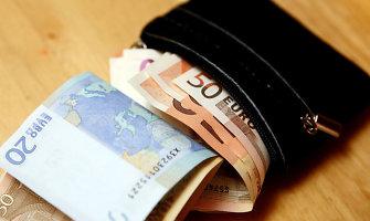 Apsimetę savivaldybių darbuotojais sukčiai siūlosi iškeisti pensiją