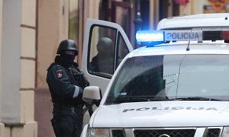 Keičiant litus į eurus pašto skyriuose saugumą užtikrins policijos pareigūnai