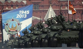 Šveicarijos ir Austrijos karo ekspertai: Rusija sutriuškintų Europos šalių karines pajėgas