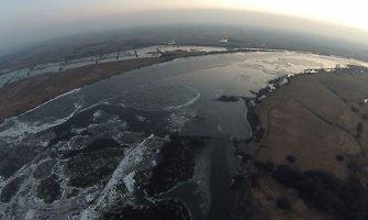 Pamaryje kyla vanduo – Rusnės kelią jau semia 10 cm vandens