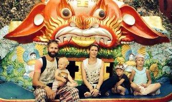 """Azijoje keliaujanti daugiavaikė Šližių šeima: """"Išleidžiame mažiau nei Lietuvoje"""