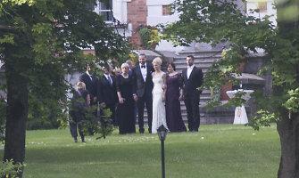Bažnyčia baigė tyrimą: Lino Kleizos vestuvėse klebonas palaimino tik žiedus
