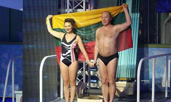 Dėl vėliavos televizijos šou pasipiktinęs Jurijus Smoriginas pats ją naudojo savo pasirodymui