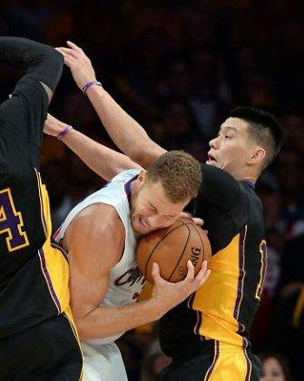 "NBA: Blake'as Griffinas su ""Clippers"" sudorojo Kobe Bryanto ""Lakers"""