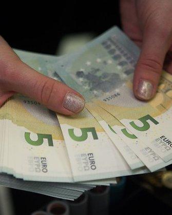 Už neišmokėtų pensijų paveldėjimą notarams reikės mokėti 5,79 euro
