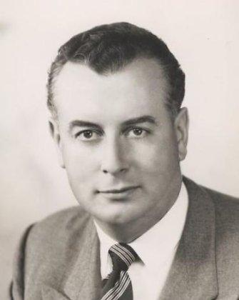 Mirė buvęs Australijos premjeras Goughas Whitlamas