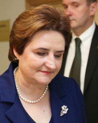 Loreta Graužinienė atsiprašinėja už naują transporto priemonių registracijos tvarką