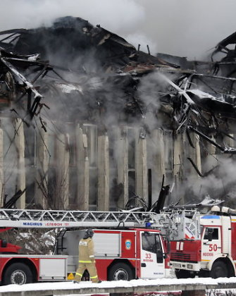 Didžiulis gaisras Maskvoje: jau antrą dieną dega Mokslinės informacijos biblioteka