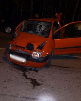 """Marijampolėje susidūrė 4 automobiliai – vaikinui iš """"Renault Twingo"""" supjaustytos akys"""