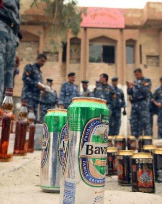 """""""Islamo valstybė"""" nusitaikė į alkoholį, jis Bagdade tampa nebeįperkama ir pavojinga pramoga"""