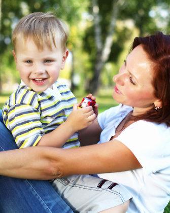 Griežtas vaikų auklėjimas: kaip neperžengti ribos?