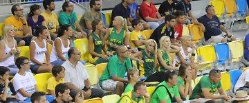 Australams pralaimėjusių Lietuvos <b>krepšininkų žmonų</b> veiduose – liūdesys