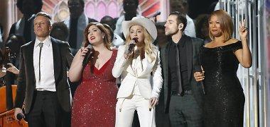 "Per ""Grammy"" apdovanojimus ant scenos susituokė 33 poros"