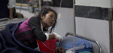 Nepalas patyrė dar vieną žemės drebėjimą, žuvo 2,5 tūkst. žmonių