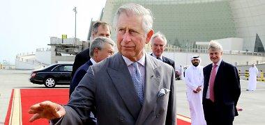 Atstumtasis princas Charlesas: Middletonų šeima trukdo jam matytis su anūku George'u