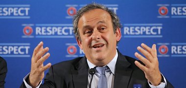 Michelis Platini palieka UEFA prezidento postą
