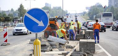 Dalyje Vilniaus Ukmergės gatvės daugiau nei metus automobiliai turės spraustis į dvi eismo juostas