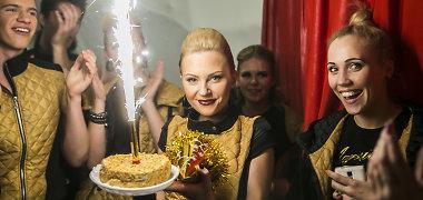 Laurą Navikaitę su 25-uoju gimtadieniu pasveikino ir mylimasis Rytis Žvagulis, ir Tauragės choras