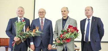 Kauno mokslininko premijos įteiktos Mindaugui Bertašiui bei Albertui Skurvydui