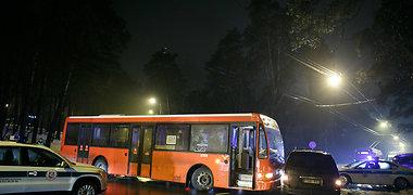 Kaune autobusas trenkėsi į lengvąjį automobilį