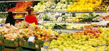 Gruodį keturi didieji prekybos tinklai didino daugumos stebimų prekių antkainius