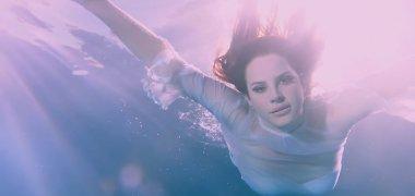 """Lana Del Rey pristatė 11-os minučių trukmės vaizdo klipą """"Freak"""""""