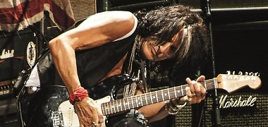 """Išskirtinis interviu: """"Aerosmith"""" gitaristas Joe Perry širdyje tebesijaučia laukinis"""