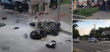 Kaune po avarijos užsidegė motociklas, žuvo vairuotojas