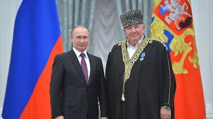 Rusijos prezidento religijos tarybos narys pasiūlė apipjaustyti visas moteris