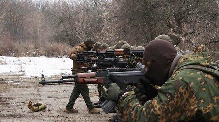 Lietuvis instruktorius pafrontėje treniruoja į karą išvykstančius ukrainiečius