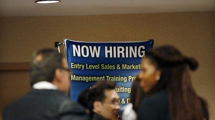 40 proc. bedarbių amerikiečių teigė visiškai metę darbo paieškas