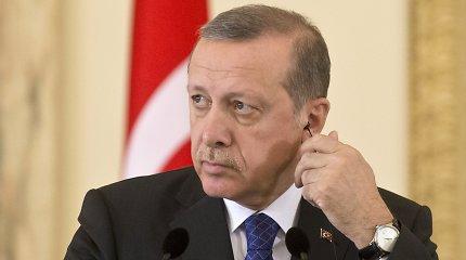 """Turkija įsiuto: mums ant kaktos neužrašytas žodis """"idiotas"""""""