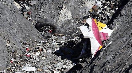 """""""Paris Match"""" ir """"Bild"""" skelbia turintys įrašus su paskutinėmis """"Germanwings"""" lėktuvo akimirkomis"""