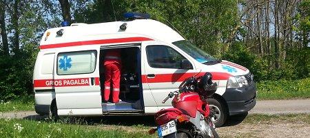 Klaipėdos baikeris sezono pradžios žygį į Ventės ragą baigė pakelės griovyje