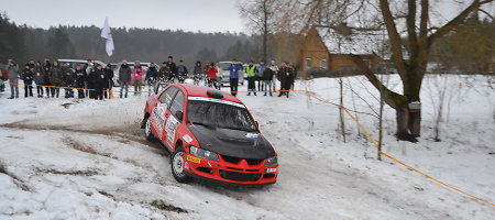 """""""Halls Winter Rally"""" nugalėtojas – Martynas Samsonas"""