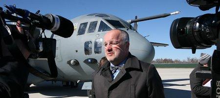 Rusų propaganda skelbia, kad Juozas Olekas Ukrainai žada ginklų iš kariuomenės sandėlių