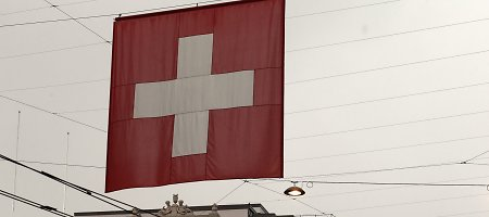 Šveicarija išplėtė sankcijas Rusijai