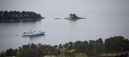 Rusija aiškina, kad povandeninio laivo paieškos zonoje ratus sukantis tanklaivis laukia krovinio