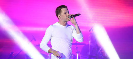"""Įvertinkite: Egidijus Dragūnas pristato Los Andžele filmuotą dainos """"Kam tu meldies"""" klipą"""