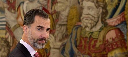 """Ispanijos karalius Felipe VI gelbėja monarchų įvaizdį – atsisakė """"ferarių"""""""
