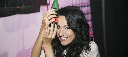 Laidos filmavime sutrenktą galvą Katažinai Zvonkuvienei teko šaldyti buteliu ir ledais