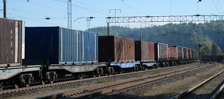 Rusija pratęsė draudimą Latvijos geležinkeliams tiekti platformas ir cisternas
