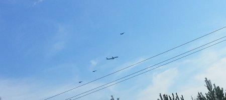Vilniuje penktadienį leidosi lėktuvai, lydimi NATO naikintuvų